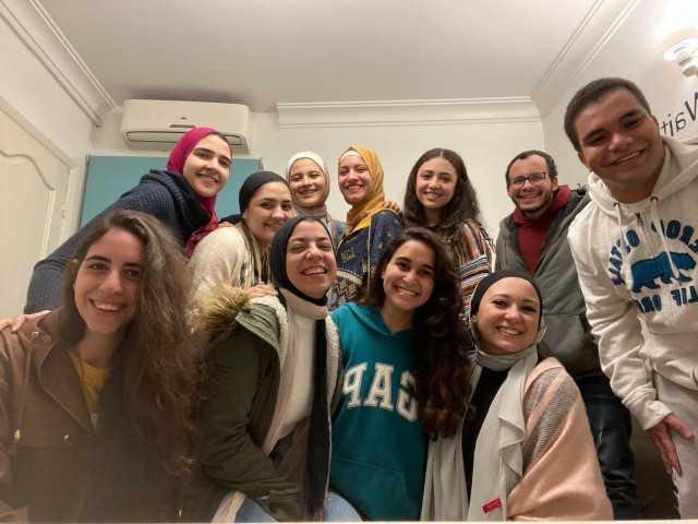 مشروع تخرج لطلبة من كلية الاعلام جامعة القاهرة للتوعية بمخاطر السوشيال ميديا