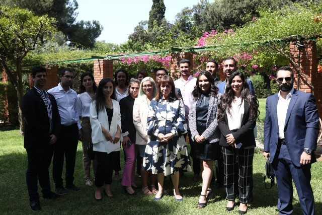رئيسة اليونان تستقبل الوفد الشبابي المصري والقبرصي خلال زيارتهم إلى أثينا