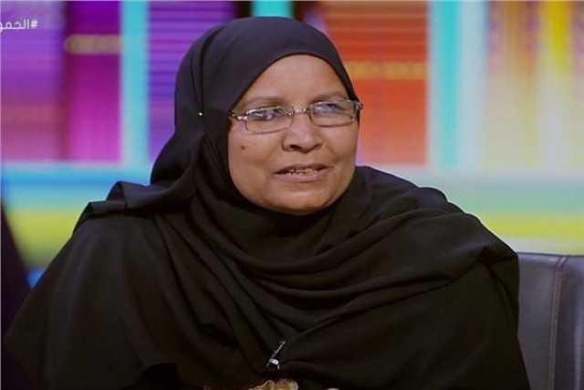 باالفيديو.. والدة «البياع الفصيح» تروي رحلة تربيتها لأولدها التسعة بعد وفاة زوجها