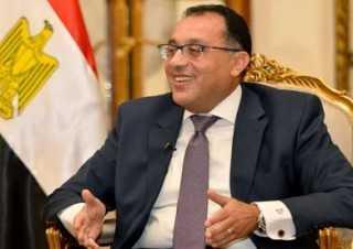 رئيس الوزراء يعود إلى القاهرة بعد زيارة فرنسا
